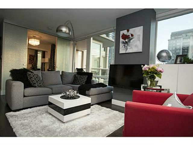 """Photo 1: Photos: 1707 535 SMITHE Street in Vancouver: Downtown VW Condo for sale in """"DOLCE AT SYMPHONY PLACE"""" (Vancouver West)  : MLS®# V1138374"""