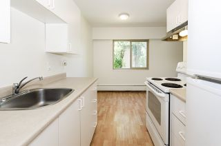 """Photo 14: 204 225 W 3RD Street in North Vancouver: Lower Lonsdale Condo for sale in """"Villa Valencia"""" : MLS®# R2459541"""