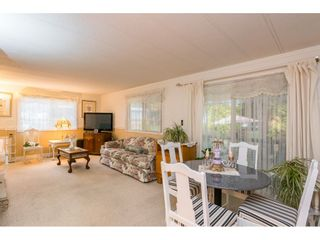 """Photo 13: 280 1840 160 Street in Surrey: King George Corridor Manufactured Home for sale in """"BREAKAWAY BAYS"""" (South Surrey White Rock)  : MLS®# R2517093"""