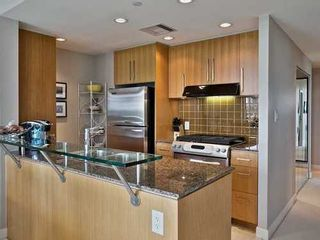 Photo 5: 607 638 BEACH Crescent in Vancouver West: Yaletown Home for sale ()  : MLS®# V1085423