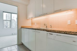 """Photo 24: 2002 1500 HORNBY Street in Vancouver: Yaletown Condo for sale in """"888 BEACH"""" (Vancouver West)  : MLS®# R2461920"""
