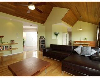 Photo 4: 1015 East Keith Road in North Vancouver: Calverhall House for sale : MLS®# V770680