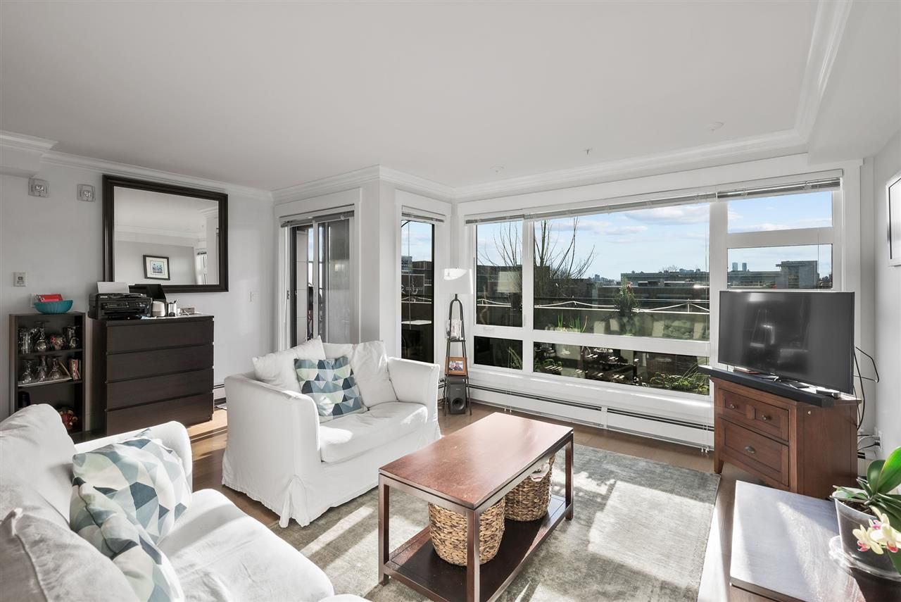 """Photo 7: Photos: 206 857 W 15TH Street in North Vancouver: Mosquito Creek Condo for sale in """"The Vue"""" : MLS®# R2534882"""