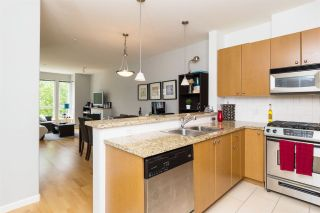 """Photo 6: 406 14 E ROYAL Avenue in New Westminster: Fraserview NW Condo for sale in """"Victoria Hill"""" : MLS®# R2092920"""