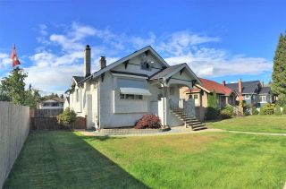 Photo 1: 1019 LONDON Street in New Westminster: Moody Park House for sale : MLS®# R2208960