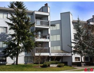 Photo 1: 419 10530 154TH Street in Surrey: Guildford Condo for sale (North Surrey)  : MLS®# F2907187