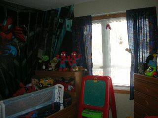 Photo 9: 12042 - 61 Street: House for sale (Montrose)