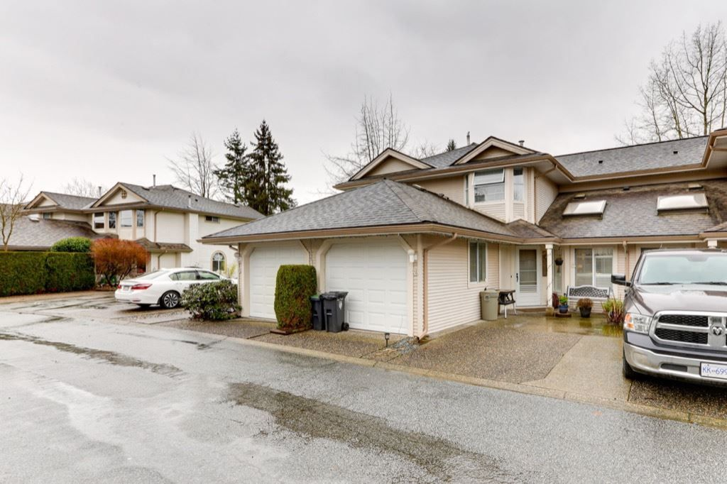 """Main Photo: 26 9045 WALNUT GROVE Drive in Langley: Walnut Grove Townhouse for sale in """"BRIDLEWOODS"""" : MLS®# R2535802"""