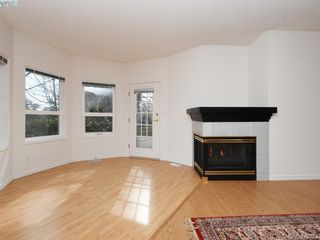 Photo 3: 12 1063 Valewood Trail in VICTORIA: SE Broadmead Row/Townhouse for sale (Saanich East)  : MLS®# 837183