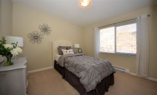 """Photo 10: 28 3363 ROSEMARY HEIGHTS Crescent in Surrey: Morgan Creek Townhouse for sale in """"Rockwell"""" (South Surrey White Rock)  : MLS®# R2568501"""