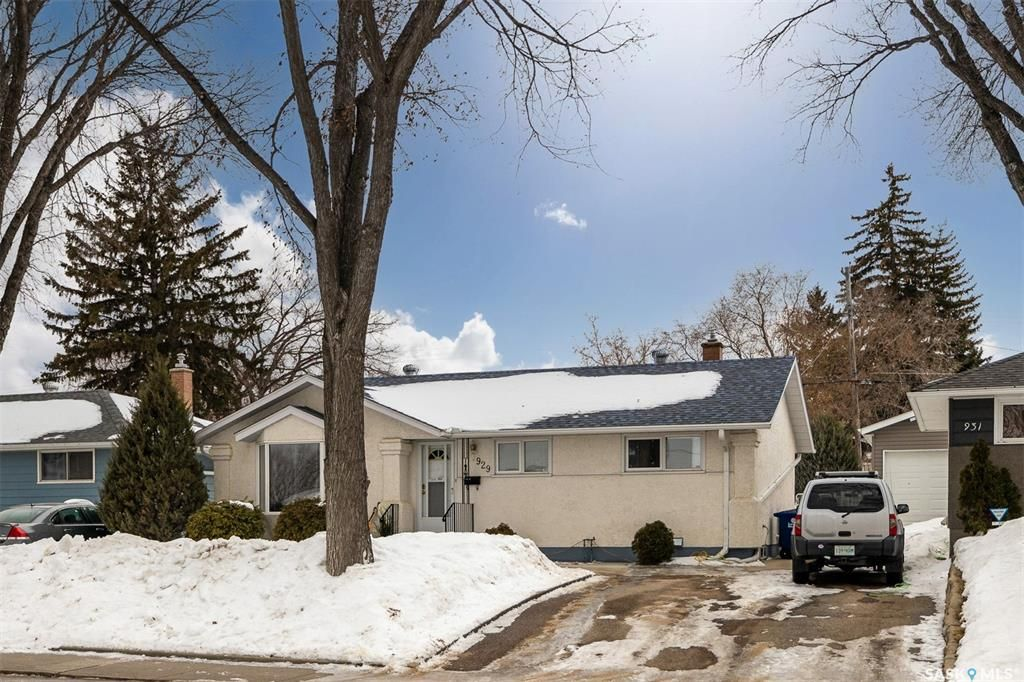 Main Photo: 929 Trotter Crescent in Saskatoon: Mount Royal SA Residential for sale : MLS®# SK847464