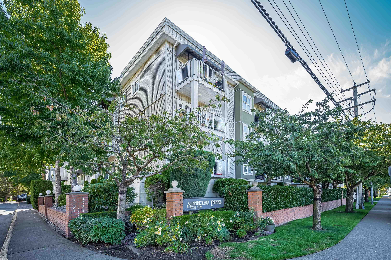 "Main Photo: 102 4728 53 Street in Delta: Delta Manor Condo for sale in ""SUNNINGDALE ESTATES"" (Ladner)  : MLS®# R2616342"