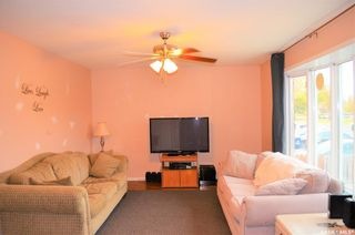 Photo 2: 122 Clancy Drive in Saskatoon: Fairhaven Residential for sale : MLS®# SK873839