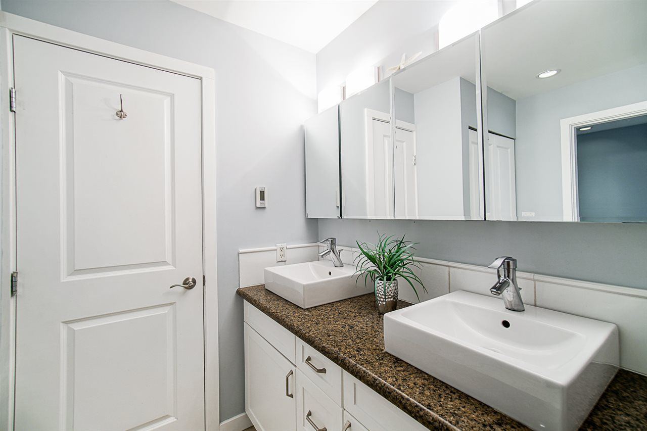 """Photo 20: Photos: 1 1960 RUFUS Drive in North Vancouver: Westlynn Townhouse for sale in """"Mountain Estates"""" : MLS®# R2487288"""
