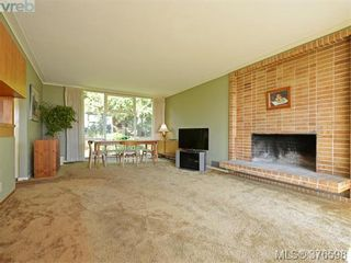 Photo 8: 5276 Parker Ave in VICTORIA: SE Cordova Bay House for sale (Saanich East)  : MLS®# 756067