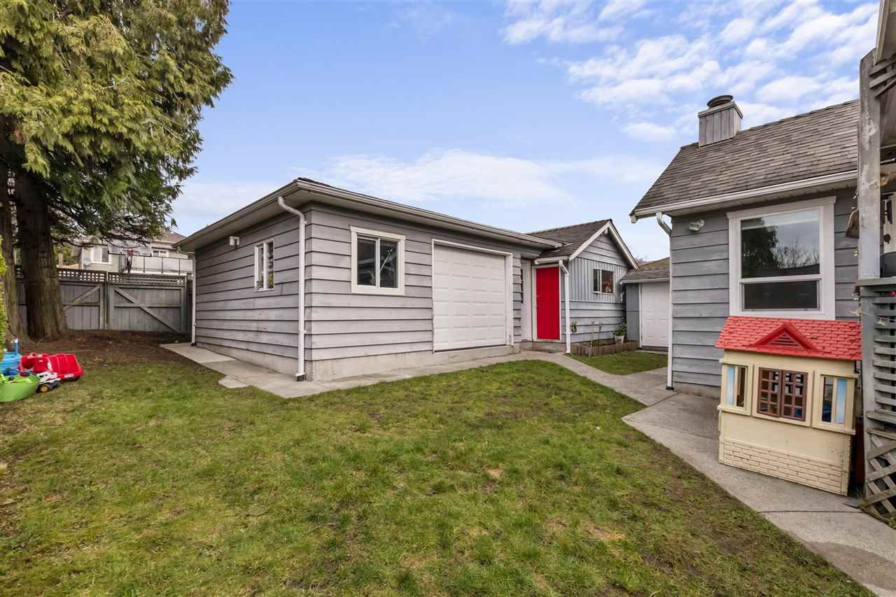 Photo 18: Photos: 1913 EDINBURGH Street in New Westminster: West End NW House for sale : MLS®# R2547519