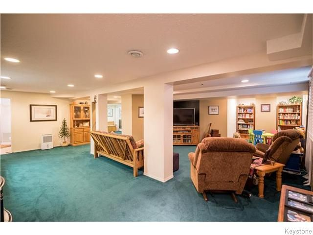 Photo 16: Photos: 2 MENARD Place in Elie: Residential for sale