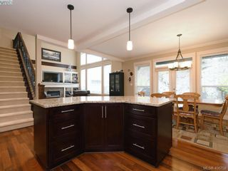 Photo 10: 2182 Stone Gate in VICTORIA: La Bear Mountain House for sale (Langford)  : MLS®# 808396