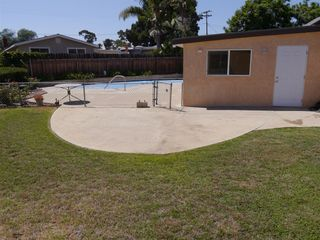 Photo 4: CLAIREMONT House for sale : 3 bedrooms : 7065 Cosmo Ct. in San Diego