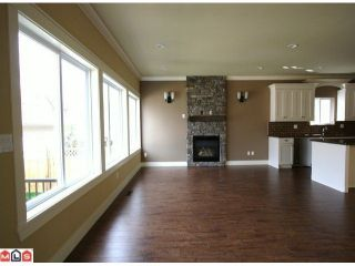 """Photo 4: 21243 83RD Avenue in Langley: Willoughby Heights House for sale in """"Yorkson"""" : MLS®# F1022713"""