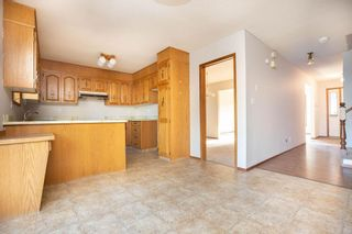 Photo 9: 135 Mayfield Crescent in Winnipeg: Charleswood Residential for sale (1G)  : MLS®# 202011350