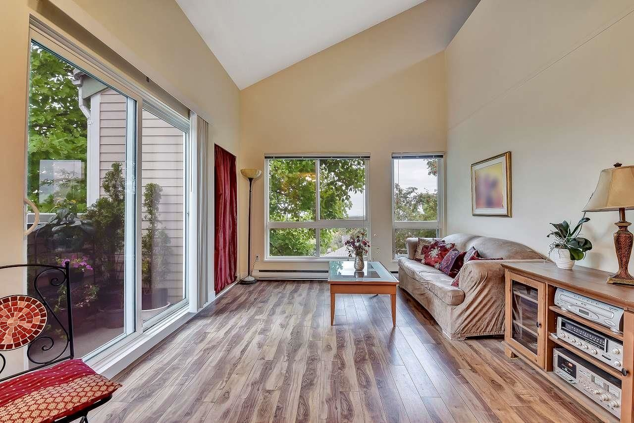 """Main Photo: 307 1006 CORNWALL Street in New Westminster: Uptown NW Condo for sale in """"KENWOOD COURT"""" : MLS®# R2615158"""