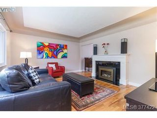 Photo 2: 1849 Gonzales Ave in VICTORIA: Vi Fairfield East House for sale (Victoria)  : MLS®# 757807