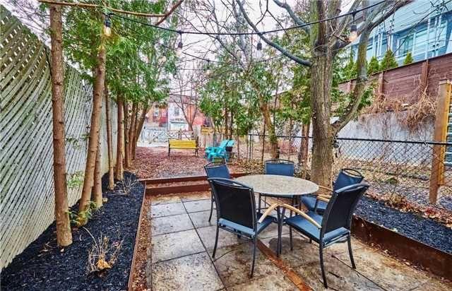 Photo 16: Photos: 50 Lippincott Street in Toronto: Kensington-Chinatown House (Bungalow) for sale (Toronto C01)  : MLS®# C4106394