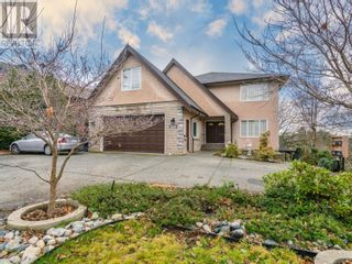 Main Photo: 240 Caledonia Ave in Nanaimo: House for sale : MLS®# 862419