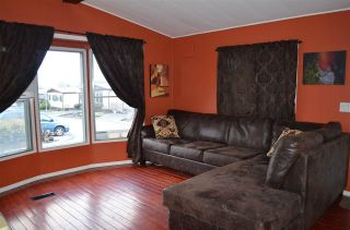 """Photo 5: 102 8224 134 Street in Surrey: Queen Mary Park Surrey Manufactured Home for sale in """"WESTW00D GATE"""" : MLS®# R2249343"""