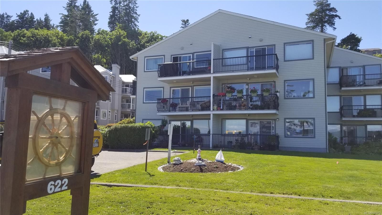 Main Photo: 308 622 S Island Hwy in Campbell River: CR Campbell River Central Condo for sale : MLS®# 856973