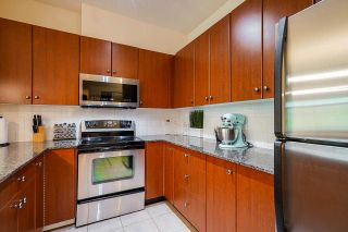 """Photo 19: 424 10180 153 Street in Surrey: Guildford Condo for sale in """"Charleton Park"""" (North Surrey)  : MLS®# R2582577"""