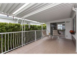 """Photo 4: 106 2303 CRANLEY Drive in Surrey: King George Corridor Manufactured Home for sale in """"Sunnyside"""" (South Surrey White Rock)  : MLS®# R2150906"""