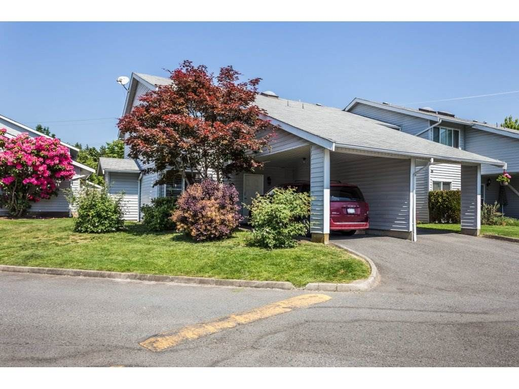 Main Photo: 38 26970 32 AVENUE in Langley: Aldergrove Langley Townhouse for sale : MLS®# R2270455