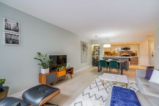 """Photo 15: 102 1450 PENNYFARTHING Drive in Vancouver: False Creek Condo for sale in """"Harbour Cove"""" (Vancouver West)  : MLS®# R2560607"""