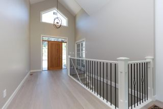 Photo 3: 2136 Champions Way in : La Bear Mountain House for sale (Langford)  : MLS®# 863691