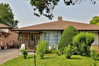 Photo 1: 2535 Padstow Crescent in Mississauga: Clarkson House (Sidesplit 4) for sale : MLS®# W3869352