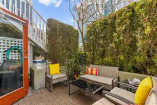"Photo 16: 102 665 W 7TH Avenue in Vancouver: Fairview VW Townhouse for sale in ""The Ivy's"" (Vancouver West)  : MLS®# R2439208"
