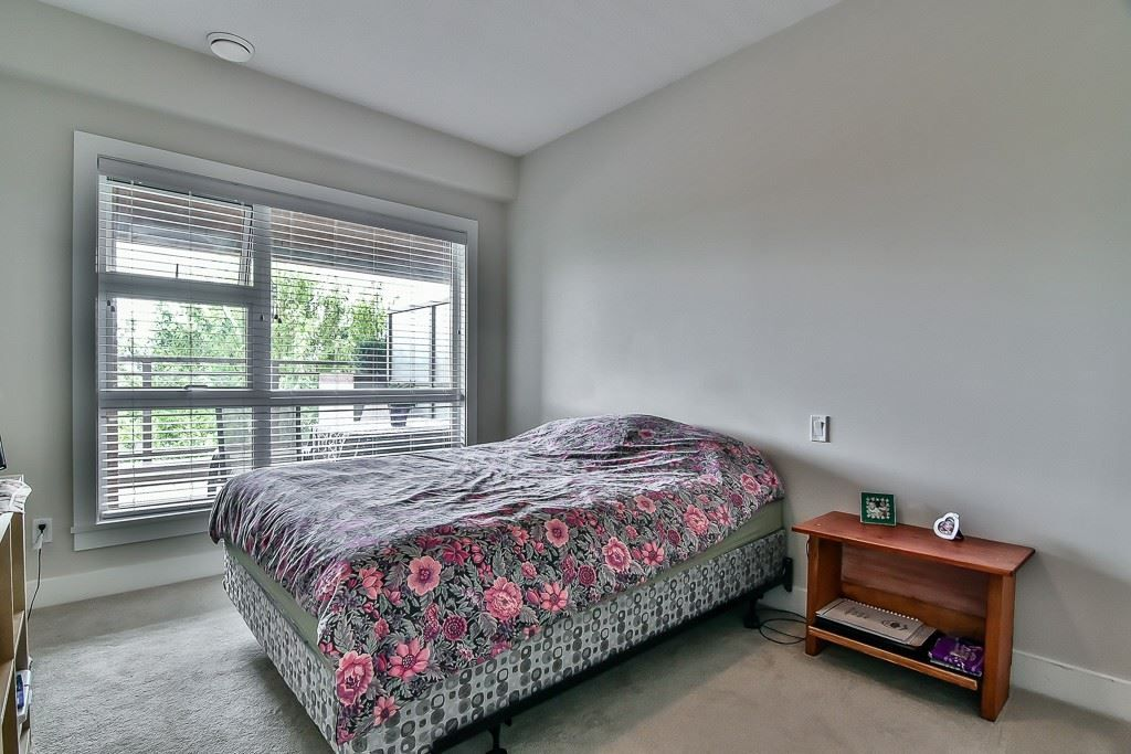 """Photo 14: Photos: 214 20728 WILLOUGHBY TOWN CENTRE Drive in Langley: Willoughby Heights Condo for sale in """"Kensington at Willoughby Town Centre"""" : MLS®# R2190142"""