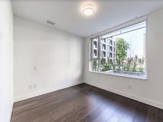 """Photo 6: 204 1571 W 57TH Avenue in Vancouver: South Granville Condo for sale in """"SHANNON WALL CENTRE - WILSHIRE HOUSE"""" (Vancouver West)  : MLS®# R2507482"""