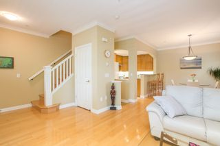 "Photo 7: 5412 LARCH Street in Vancouver: Kerrisdale Townhouse for sale in ""LARCHWOOD"" (Vancouver West)  : MLS®# R2466772"