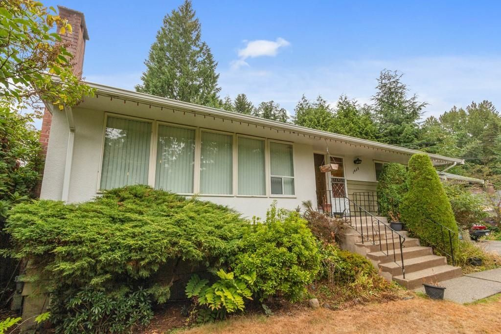 Main Photo: 1038 MARIGOLD Avenue in North Vancouver: Canyon Heights NV House for sale : MLS®# R2577593