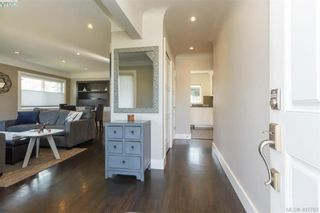 Photo 3: 1035 Nicholson St in VICTORIA: SE Lake Hill House for sale (Saanich East)  : MLS®# 810358