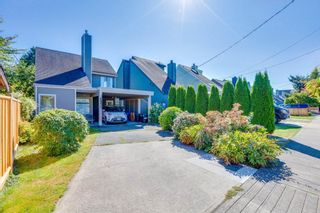 Photo 2: 4850 47A Avenue in Delta: Ladner Elementary House for sale (Ladner)  : MLS®# R2492098