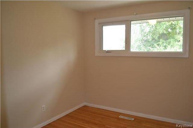 Photo 10: Photos: 339 Dussault Avenue in Winnipeg: Windsor Park Residential for sale (2G)  : MLS®# 1725085