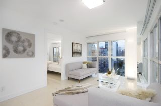 """Photo 3: 1907 1188 HOWE Street in Vancouver: Downtown VW Condo for sale in """"1188 Howe"""" (Vancouver West)  : MLS®# R2132666"""