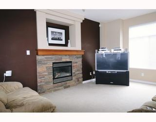 Photo 1: 23605 DEWDNEY TRUNK RD in Maple Ridge: Condo for sale : MLS®# V757687