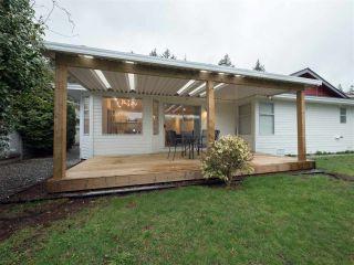 """Photo 3: 14286 20 Avenue in Surrey: Sunnyside Park Surrey House for sale in """"Sunnyside Park"""" (South Surrey White Rock)  : MLS®# R2431342"""