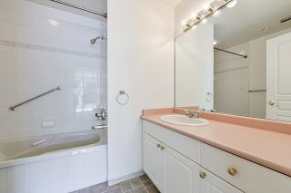 """Photo 25: 203 1705 MARTIN Drive in Surrey: Sunnyside Park Surrey Condo for sale in """"Southwynd"""" (South Surrey White Rock)  : MLS®# R2576884"""
