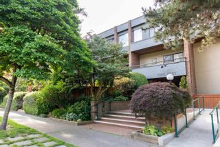 "Main Photo: 208 2475 YORK Avenue in Vancouver: Kitsilano Condo for sale in ""YORK WEST"" (Vancouver West)  : MLS®# R2595439"
